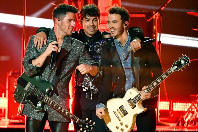 The Jonas Brothers at Hersheypark Stadium